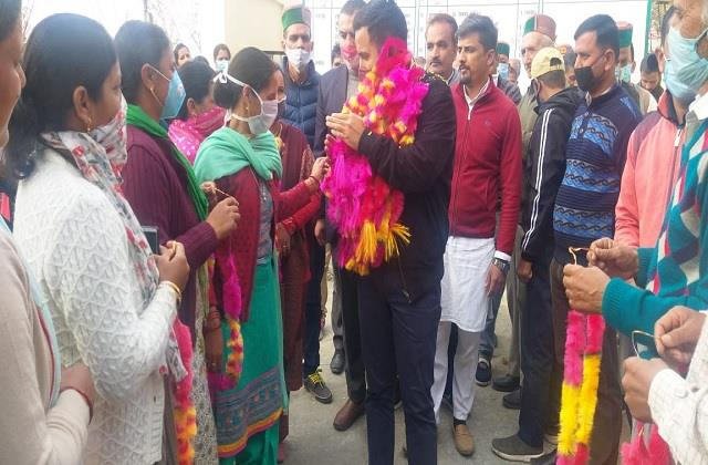construction of devidhar road should be in mla priority vikramaditya
