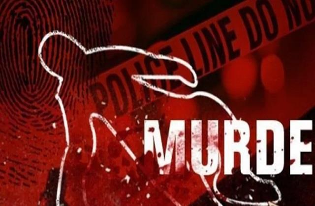 saran husband stabbed his wife for not getting money for liquor