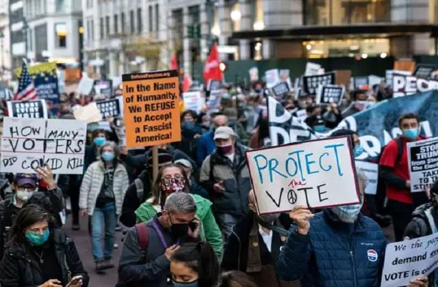 us election anti trump protesters take to streets as results favour biden