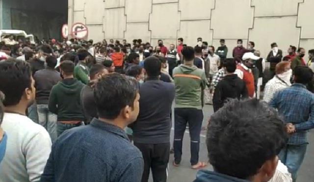पूर्व पार्षद हरीश शर्मा का शव पहुंचा पानीपत, लोगों ने दोनों साइड से जीटी  रोड किया जाम - body of harish sharma reached panipat people jammed gt road
