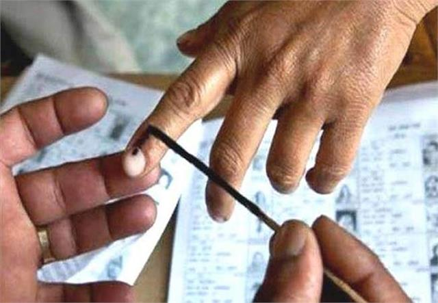 more than 3 lakh voters will decide the fate of 14 candidates in deoria
