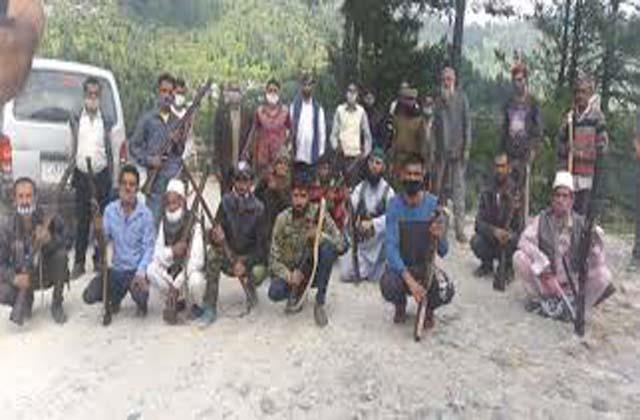 jammu and kashmir vdc members protest outside bjp office over pending salary