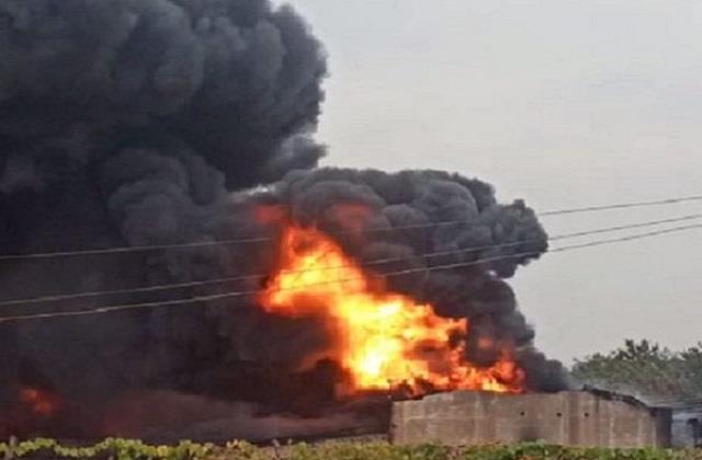 fierce fire in durg s bhilai chemical factory