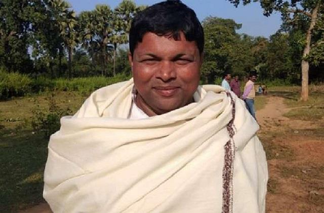 jharkhand agriculture minister donated blood for education minister