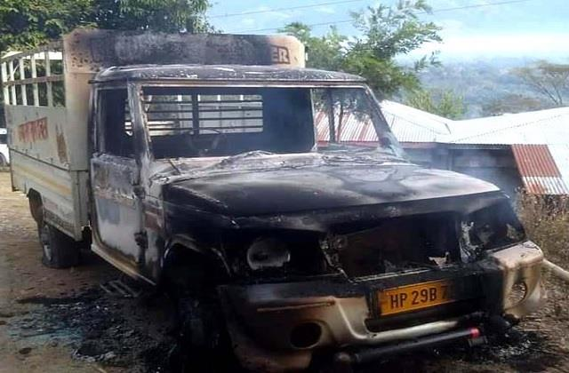 controversy over dj in jogindernagar fighting in 2 groups burning car
