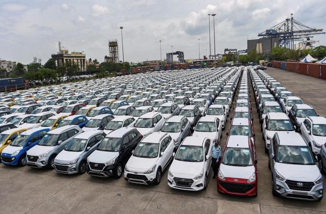 in october retail sales of passenger cars fell by 9