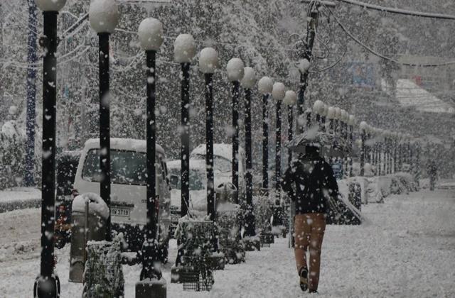 met dept predicts snowfall in jammu kashmir