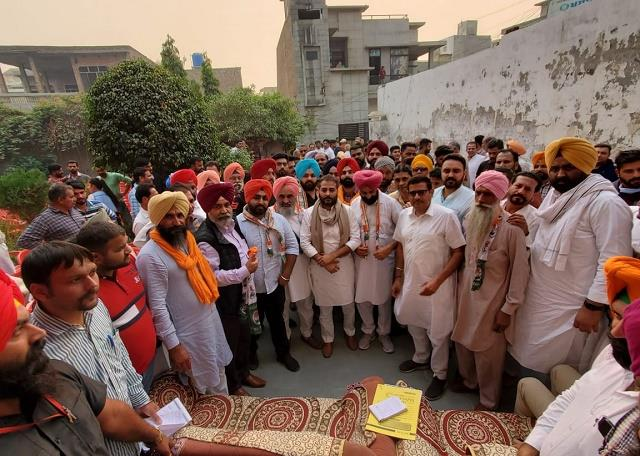 former vice chairman and head of co operative society left akali dal