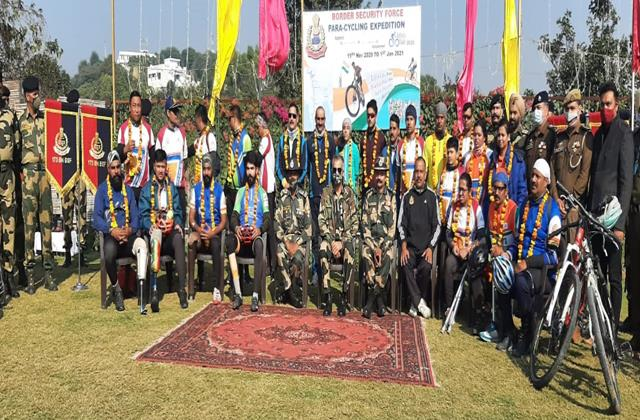 para cyclists set out from kashmir to kanyakumari visit samba