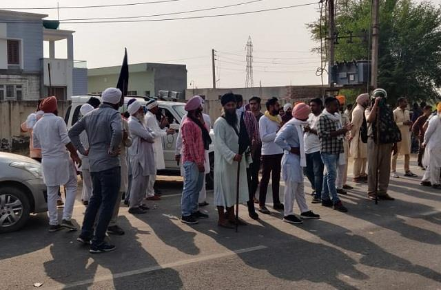 minister ranjit singh arrives in private vehicle to avoid farmers opposition