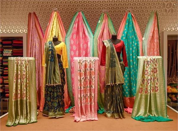 karwachauth liked 12 thousand sari husband did not get it then wife beaten