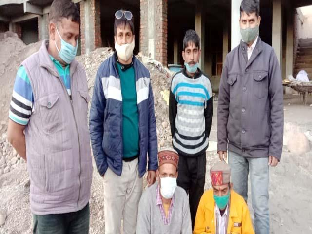 2 arrested with hashish and opium