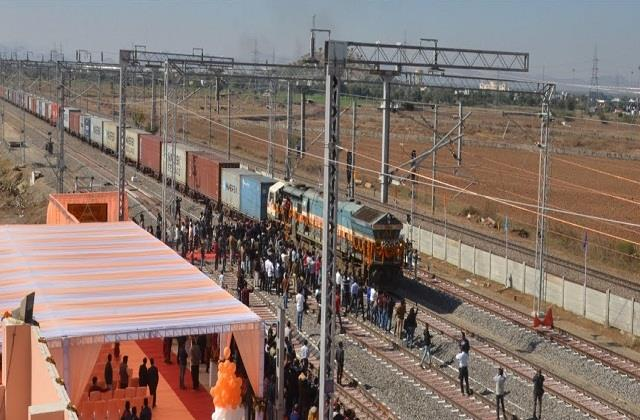 40 freight train corridor to start next year work to be completed in 2022