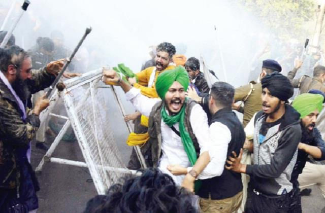lathi charge on farmers and supporters in chandigarh