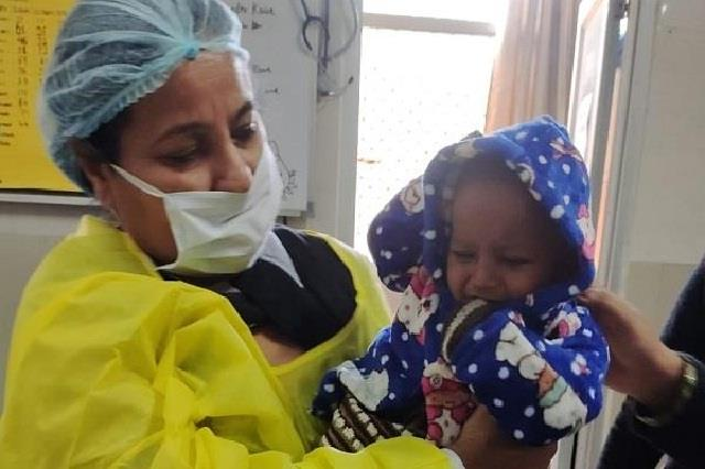 mother absconding leaving innocent child in emergency ward of civil hospital