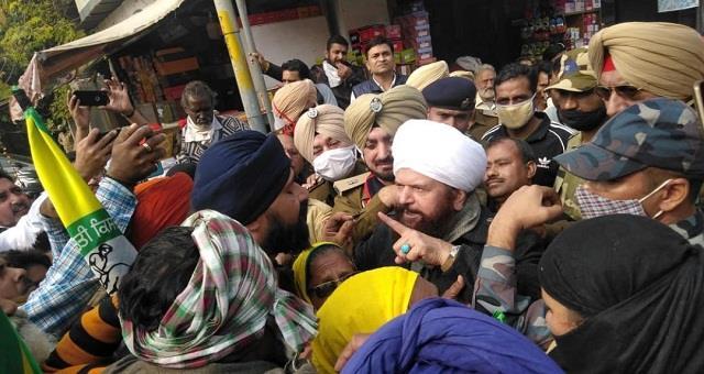 farmer groups arrested bjp mp hans raj hans