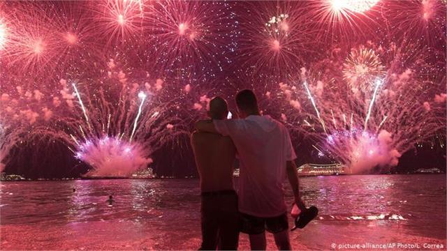 new year welcome will be fade around the world no crowds allowed