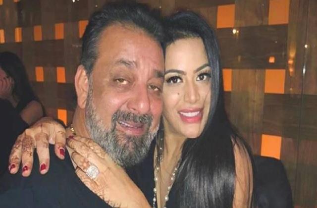 संजय दत्त के ड्रग एडिक्शन पर पहली बार बोली बेटी त्रिशाला, शेयर किया लंबा नोट