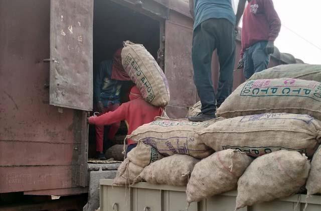 railways loading 25000 mt potatoes sudhir kumar