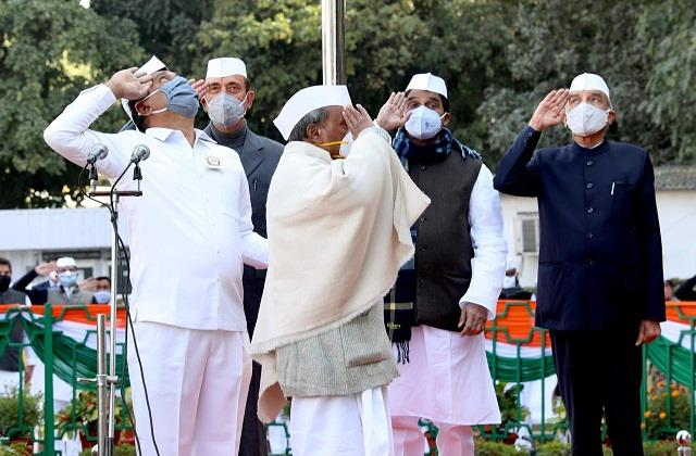 congress foundation day rahul went abroad to celebrate new year