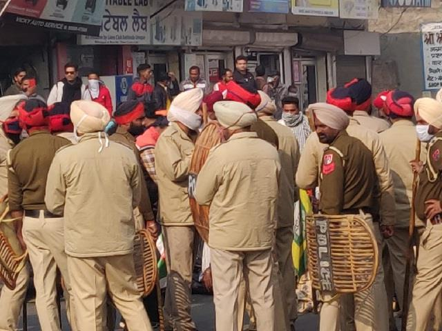 farmers reached among bjp workers celebrating atal ji s birthday