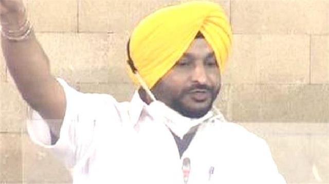 big statement of ravneet bittu said  kejriwal conspired against farmers