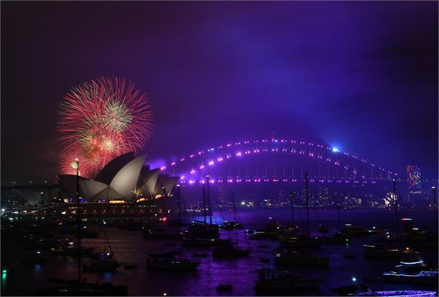 bye bye 2020 spectators banned from sydney s new year s fireworks