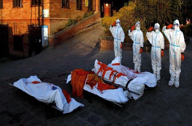 समाज की बदलती तस्वीर! नेपाल की महिलाओं ने कायम की मिसाल, कोरोना मृतकों का कर रहीं अंतिम संस्कार