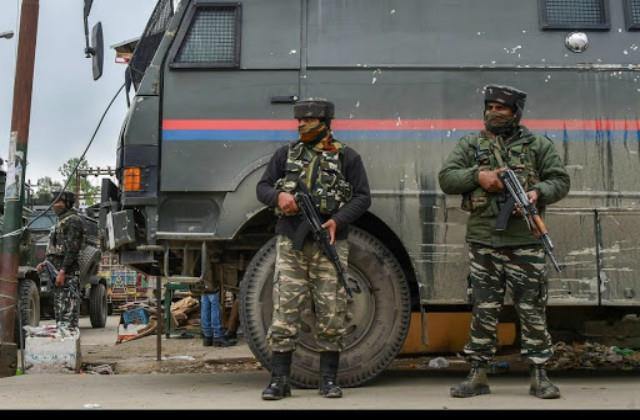 pak soldiers fire mortar at poonch kathua