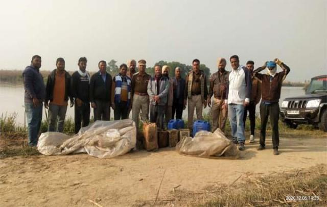 25 thousand kg liqour recovered from beas river