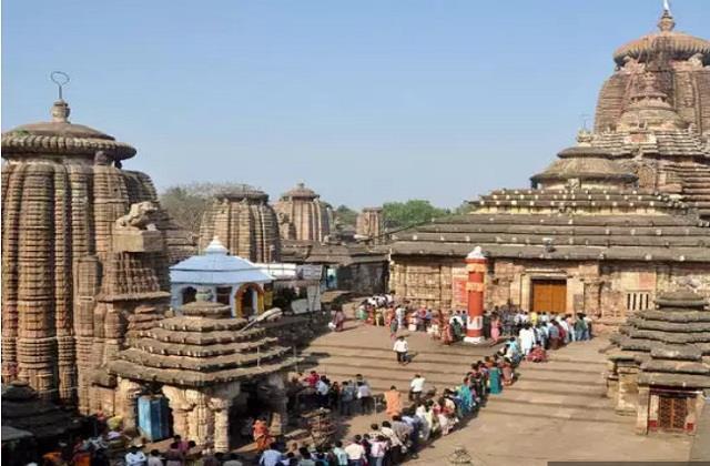 sri lingaraj temple opens for devotees after 9 months
