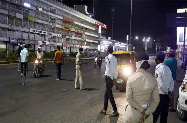 gujarat curfew will continue at night