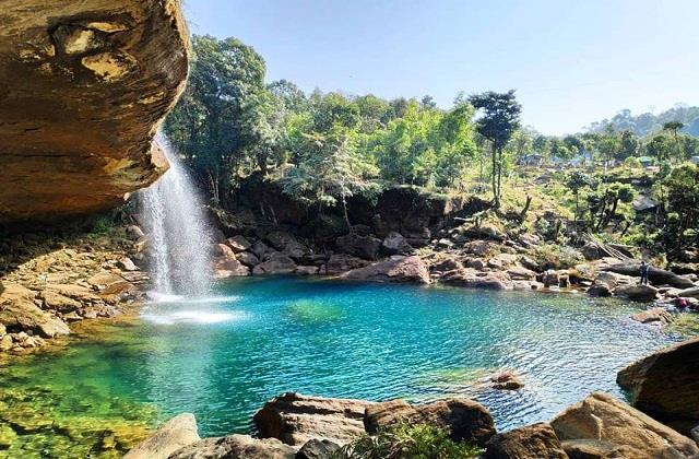 कश्मीर से भी खूबसूरत है भारत की ये 3 जगहें