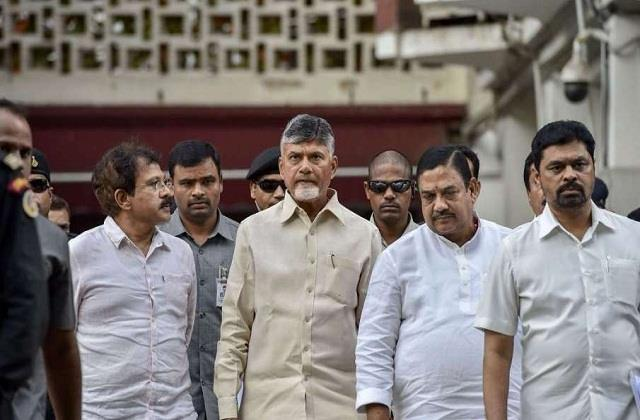 10 tdp mlas suspended former cm chandrababu naidu walked out of the assembly