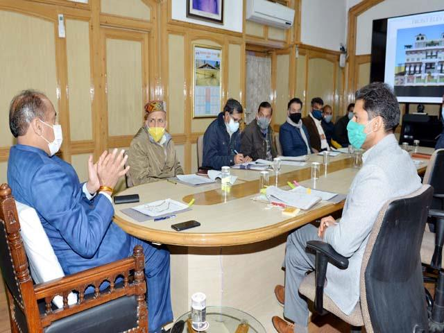 cm meets with pwd to build guest house in new delhi