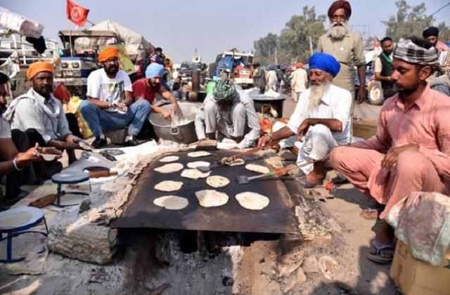shiromani akali dal doing anchor service for agitating farmers