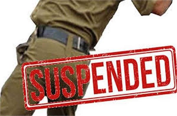 nephew of retired dsp playing gambling  police constable suspend