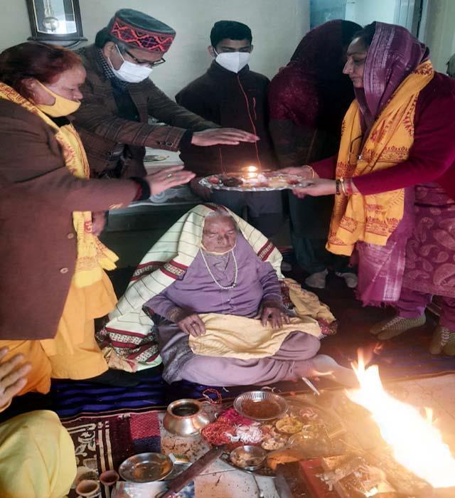 jp nadda s aunt celebrated her 103th birthday