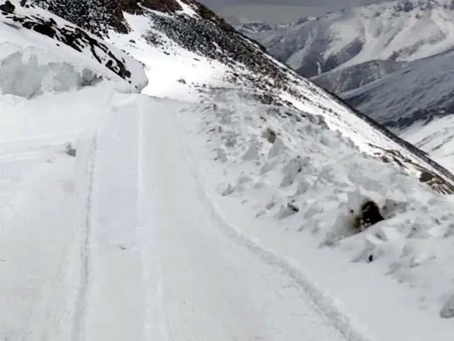 manali leh road officially closed