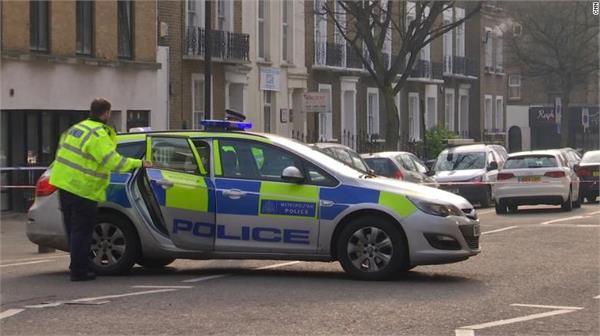 london police shop car criminal