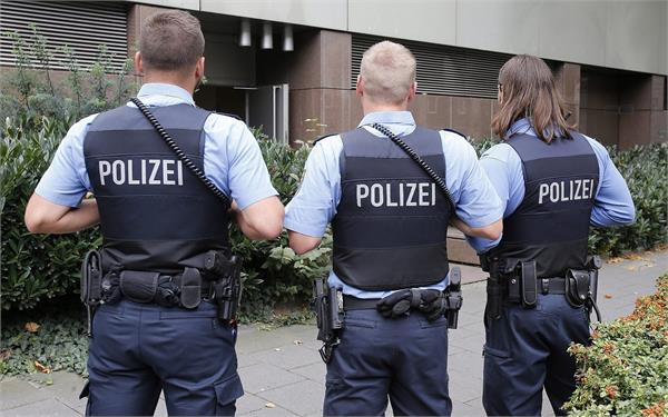 germany police gun firing rot m city death