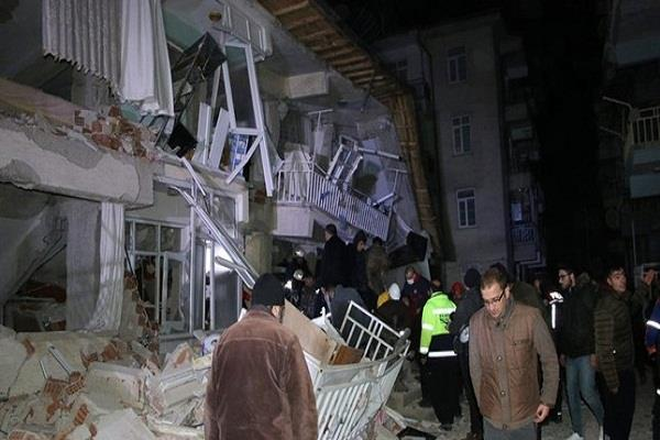 turkey trembles due to earthquake 14 dead
