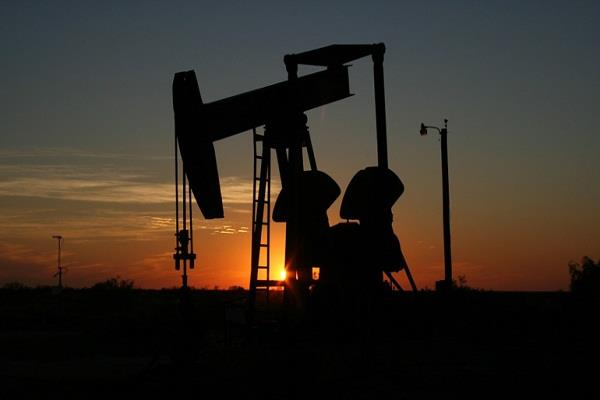 crude oil prices rise by 3 5 percent after iran s attack