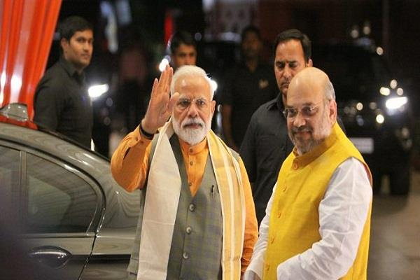 pm modi and amit shah wishes republic day