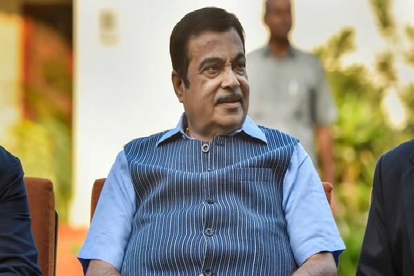gadkari is happy to be at the center