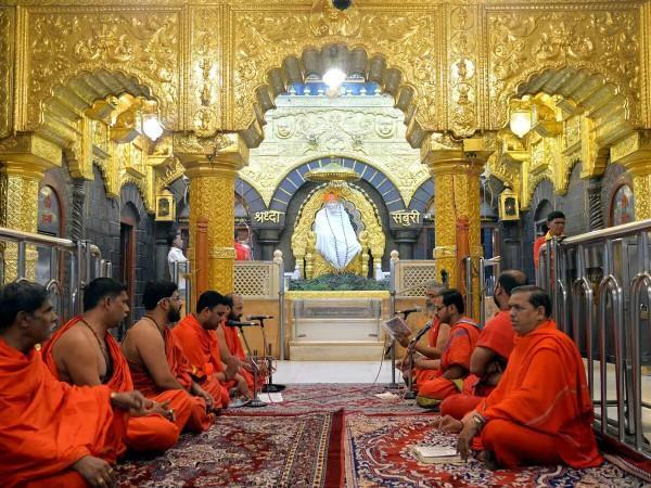 uddhav thackeray convened meeting on monday to resolve the shirdi dispute