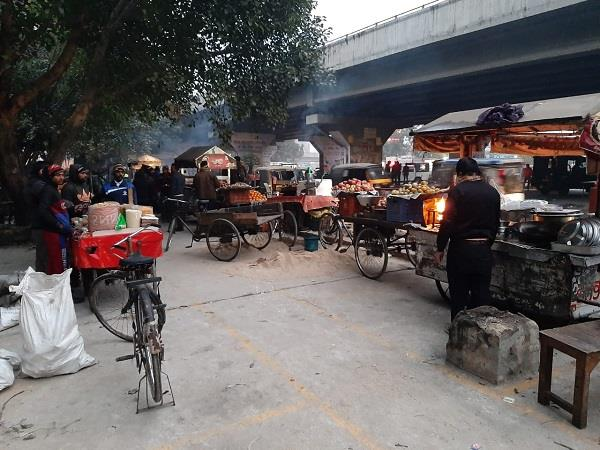 corporation will enlarge street vending zone in front of bus stand