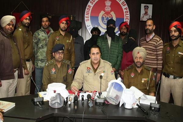 4 arrested for robbing petrol pumps and liquor contracts