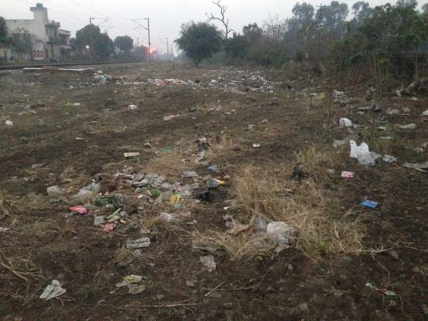 action against throw garbage near railway lines