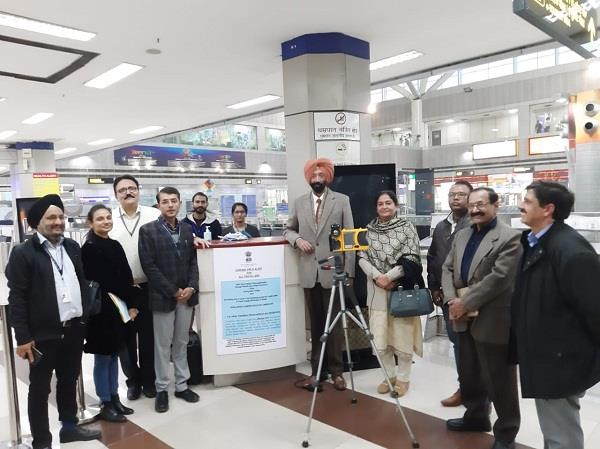 corona virus thermal scanner started screening passengers at amritsar airport